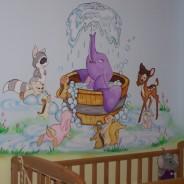 ציורי קיר של דמבו הפילון החמוד